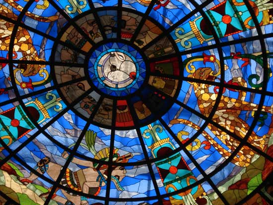 Stained glass dome by Clemente Cameoat Plaza Kukulcán, Cancun Hotel Zone