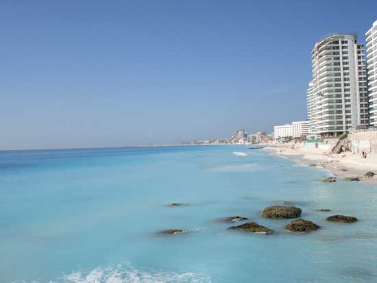 Cancun Hotel Zone beach facing south before sand replacement (Anita Brown)