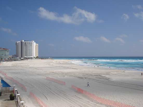 After: View from the Plaza Forum balcony facing north in Cancun Hotel Zone. (Anita Brown)
