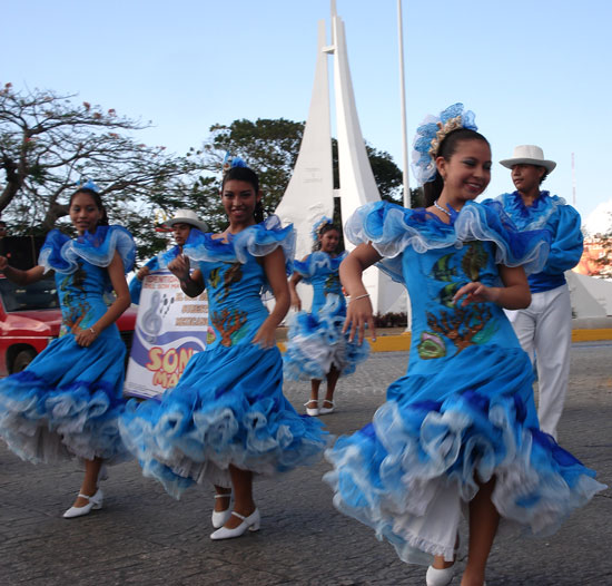 Cancun celebrates 41st birthday with a parade of Mexico's regional costumes Photo by Anita Brown